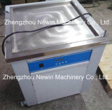 Uma máquina quadrada do gelado da fritada do rolo da bandeja