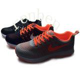 Pattini della scarpa da tennis di modo dei nuovi uomini caldi