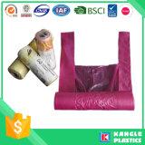 Bolso de basura biodegradable plástico de la camiseta en el rodillo