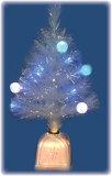 DTransparent球(ST-18TBLEDBL)のeftの設計貝のイヤリング(E061208-08)が付いている青いLEDのクリスマスツリー