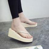 La hebilla de la plataforma de las mujeres Sandalia-Abre el zapato fornido de la correa del tobillo de la punta del pío