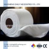 昇進の白い表面洗濯機のペーパータオル