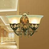 Lámpara de pared caliente de la venta de la fuente de Zhongshan Guzhen para el estilo europeo
