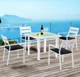 새로운 디자인 고품질 싸게 4명의 사람들 옥외 명반 코팅 정연한 식탁 세트