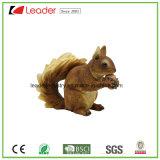 Figurines dipinti a mano dello scoiattolo della resina per la decorazione del giardino e della casa