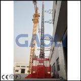 Passageiro e grua magra elétrica material do edifício