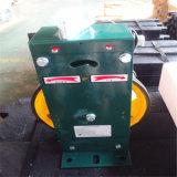 Regulador de velocidad ascensor con dispositivo de tensión