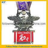 Медали марафона с по-разному конструкциями