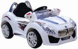 Kind-Fahrt auf Auto mit Fernsteuerungs
