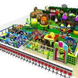 Apparatuur van de Speelplaats van jonge geitjes de Zachte Binnen, het BinnenCentrum van het Spel