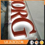 Signe de lettre de logo éclairé à contre-jour par DEL pour la publicité