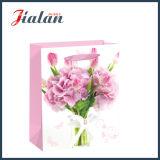 Saco de papel Ivory laminado lustroso do presente da compra da forma das flores de papel