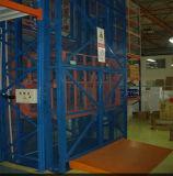 Multi-Arrêter la table élévatrice hydraulique verticale à chaînes de cargaison d'entrepôt d'ascenseur de fret pour le contrôle multipoint