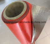 上塗を施してあるガラス繊維の熱絶縁体のアルミホイル
