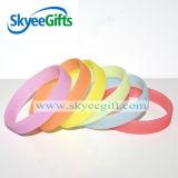 Таможня имеет Wristband силикона логоса персонализированный Wristbands