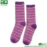 Calcetines púrpuras de la alineada de las rayas de encargo encantadoras