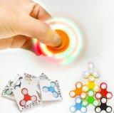 가벼운 손 방적공 LED 창조적인 세 배 방적공 긴장 삼각형 손가락 끝 자이로컴퍼스 Austim 싱숭생숭함 장난감 핑거 방적공은 긴장을 구호한다