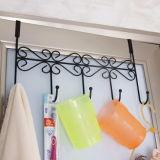 Sobre o preto dos ganchos do gancho 5 do metal da cremalheira do gancho de porta para pendurar seu Clothers