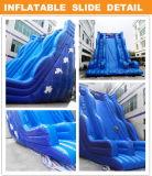 Diapositiva inflable gigante azul para el patio
