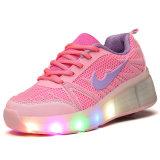 El deporte del color de rosa del comercio exterior calza las zapatillas de deporte ligeras del patín de ruedas del LED para los cabritos con ejecutarse retractable de los zapatos del patín de ruedas del rodillo LED