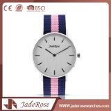 Relógio cor-de-rosa de vidro mineral de quartzo das senhoras do esporte