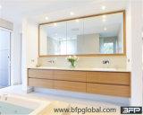 Vertiefte Griff-moderne Badezimmer-Möbel angepasst