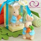 Kleines Kaninchen mit Karotte-Geschenk-Kerze für Kind-Geburtstag