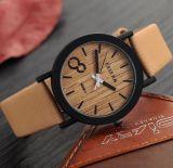 Señoras de encargo del reloj del cuero de la manera de la insignia del diseño Yxl-467 2016 de la venta al por mayor del color del reloj de madera más nuevo de la cara