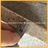 China Flamed G682 Yellow Rusty / Sunset Gold Granite Flooring Tiles
