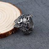 O anel do crânio do aço inoxidável para homens vende por atacado