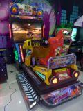 Машина видеоигры участвуя в гонке автомобиля имитатора видео- для торгового центра