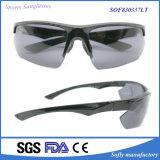 Новые выпущенные спорты черноты способа поляризовывали солнечные очки