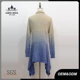 Cardigan blu Romance dei lavori o indumenti a maglia del mohair delle donne