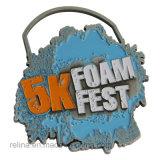 カスタム半分のマラソン5k 10kの道の泥のリボンが付いている連続した祝祭の円形浮彫り