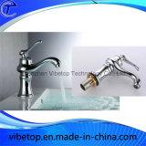 Taraud chaud de robinet d'eau d'en cuivre de cuisine de vente