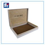 Cadre de empaquetage articulé de cadeau rigide de carton avec la bande pour le produit de beauté