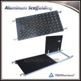 構築のための移動式アルミニウム折る足場