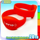 プールのアクセス制御RFID MIFARE標準的な1Kシリコーンのリスト・ストラップ