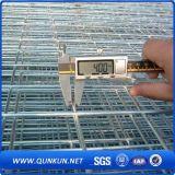 los paneles revestidos galvanizados sumergidos calientes de la cerca del vinilo del acoplamiento 4X4 con precio de fábrica