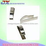 Industrias de metal que trabajan a máquina el metal de hoja de las piezas que dobla estampando piezas