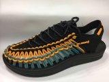 Новые ботинки лета типа сплетенного ботинка