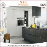 MDFの木の家具現代様式の光沢度の高いラッカー台所食器棚