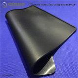 El coche negro modificado para requisitos particulares del silicón del color Santi-Desliza la pista