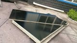 Contre-plaqué marin utilisé dans des travaux de construction
