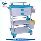Carro médico plástico dos cuidados do hospital com uma gaveta