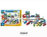 La plastica gioca l'automobile di deformazione con il parcheggio (9125140)