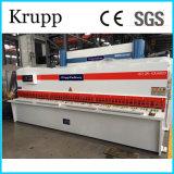 Máquina de estaca hidráulica QC12k-12X3200 do CNC