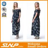 As mulheres novas da impressão da forma do verão afrouxam o vestido longo