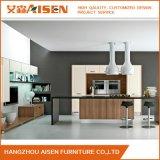 Gabinete de cozinha projetado linear simples do PVC