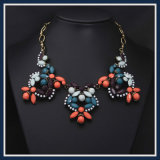 Ожерелье новых ювелирных изделий способа смолаы деталя цветастых акриловых установленное